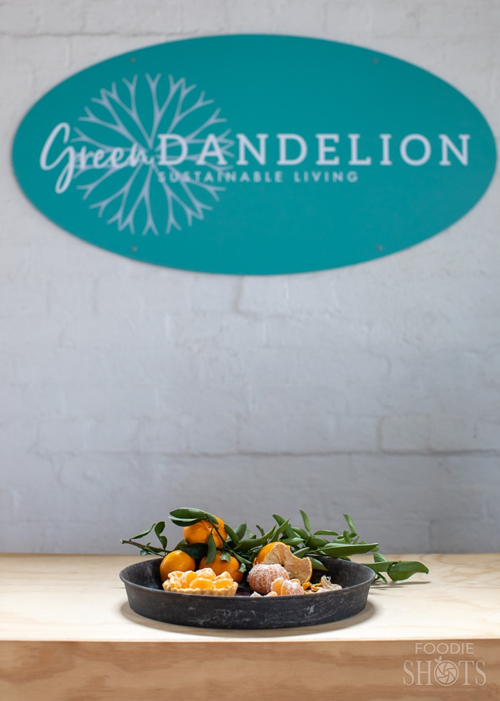 Green Dandelion and the try of mandarins